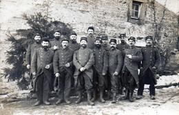 MILITARIA - Groupe De Soldats Originaires De BRIARE -  C. COUTELLIER -38éme Territoriale - 12é Cie - EPINAL 1915 - Guerre 1914-18