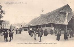 Le Faoüet - Les Halles Sur La Grand'Place - Le Faouet