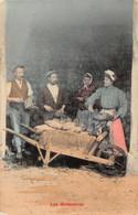 Les Betteraves - Paysans - Récoltes - Agriculture - Brouette - Farmers