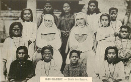 ILES GILBERT - école De Soeurs - Kiribati