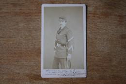 CDV Militaire    Siege De Paris Sous Officier Bataillon De La Garde Nationale   Avec Dédicace  1870 1871 - Guerra, Militari