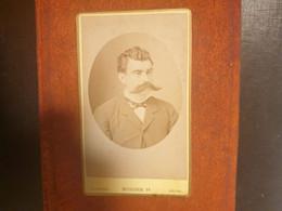 CDV Ancienne Fin XIX Début XXeme. Portrait D Un Homme Distingué. PHOTOGRAPHE BEUSCHER AU HAVRE - Alte (vor 1900)
