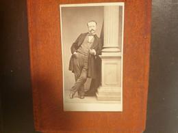 CDV Ancienne Fin XIX Début XXeme. Portrait D Un Homme Distingué. PHOTOGRAPHE J.E POTROV - Alte (vor 1900)