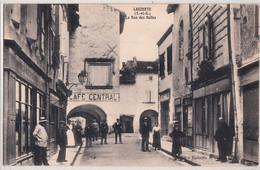 LAUZERTE-LA RUE DES HALLES - Lauzerte