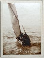 Photo Sur Carton D'un Bateau à Voile Voilier - Schiffe