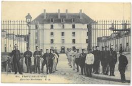 CPA PROVINS - Quartier Montereau - Ed. Artistique C.M. N°82 - Belle Animation - ( Cavalerie ) - Provins