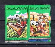 Libia  Lybia  - 1984. Trebbiatura, Trattori.  Threshing, Tractors. MNH - Agricultura
