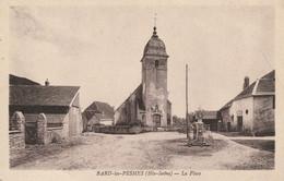 BARD-les-PESMES (Haute-Saône) - La Place. Edition Karrer. Non Circulée. Bon état. - Unclassified