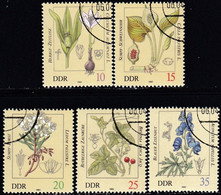 !! GERMAN DEMOCRATIC REPUBLIC - Poisonous Plants / Set Of 5 Used Stamps (k5137) - Giftige Pflanzen