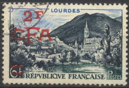 La Réunion, 1954, Timbres De France Avec Surcharge CFA, Lourdes 2 Fr. CFA Sur 6 Fr., Oblitéré - Used Stamps