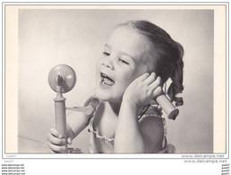 Cp JP-Q-332 (  ENFANT Avec Son Téléphone   ) - Andere