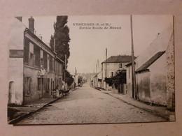 CPA - 77 - VARREDDES - Entrée Route De Meaux - Other Municipalities