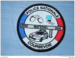 Ecusson Police -- Neuf -- Pour Collection Et Collectionneur -- Courbevoie (92) - Matériel 2000/2016 - Police