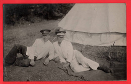 WORLD WAR ONE TWO MEDICS  SOLDIERS POSE    RAMC - Guerra 1914-18
