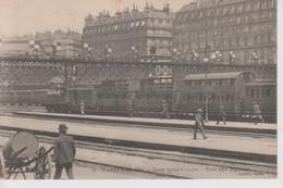 CPA Paris VIIIe Arr. - Gare Saint-Lazare - Pont Au Signaux (animation Avec Train En Joli Plan) - Pariser Métro, Bahnhöfe