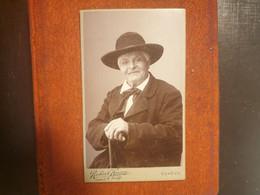 CDV Ancienne Fin XIX Début XXeme. Portrait D Un Homme Distingué. PHOTOGRAPHE ROBERT KAIZER À GENÈVE - Alte (vor 1900)