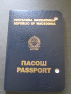 PASSPORT REISEPASS  PASSEPORT REPUBLIC OF MACEDONIA 2005-2015, MANY VISAS WITH PHOTO, ALBANIA, BULGARIA - Documentos Históricos
