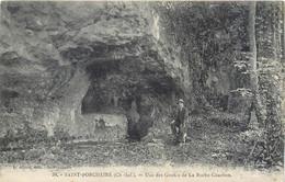 CPA 17 Charente Maritime Saint Porchaire Une Des Grottes De La Roche Courbon - Otros Municipios