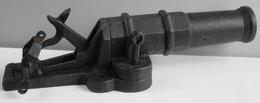 TRES ANCIEN CANON PIEGE à TAUPES à BROCHE Calibre 12 En Très Bon état - Armi Da Collezione
