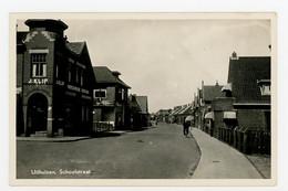 D555 - Uithuizen Schoolstraat - Winkel - Type Fotokaart 1950 - Uithuizen