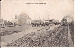 CPA De Cléder - Arrivée D'un Train - Cléder