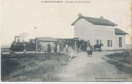 17 - ST -DENIS -D'OLERON : La Gare , Arrivée Du Train - Altri Comuni