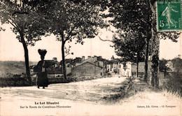 46 CASTELNAU-MONTRATIER  Sur La Route - Altri Comuni