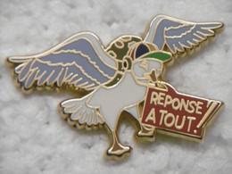 """Pin's - Médias Jeu TV Et Revue Magazine """"RÉPONSE A TOUT !"""" Animaux Oiseaux ZEPHIRIN Pigeon Voyageur - Pin Badge EGF - Medios De Comunicación"""