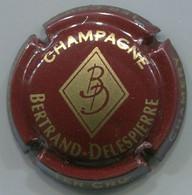 CAPSULE-CHAMPAGNE BERTRAND-DELESPIERRE N°09 Bordeaux Foncé Et Or - Altri