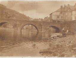Bouillon Lot De 3 Photos  1) Le Pont Et La Semois Et Peintre Sur La Rive 10.5/8  2)Le Château10.5/7 - Bouillon