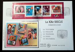 Enveloppe FDC Grand Format 2001 - LE XXe SIECLE COMMUNICATION - CARNET - 2000-2009