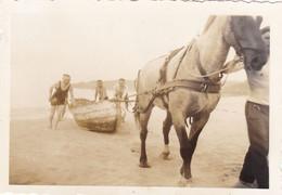 PHOTO ORIGINALE 39 / 45 WW2 WEHRMACHT FRANCE PLONEVEZ PORZAY SOLDATS ALLEMANDS SUR LA PLAGE DE SAINTE ANNE LA PALUD - Krieg, Militär