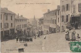 Allègre  43  La Grand'Rue  Tres Tres Animée-Chapellerie-Café-Restaurant-a Coté Café Aubergiste-en Face Pharmacie - Andere Gemeenten