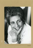 PHOTO ORIGINALE - Françoise GIROUD  , Secrétaire D'état à La Condition Féminine En 1974 - Personnes Identifiées
