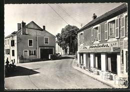 CPA Asquins, La Place, Cafe Les Hirondelles - Ohne Zuordnung