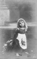 DC3809 - Schöne Motivkarte Kleines Mädchen Im Kleid Mit Blumen - Portraits