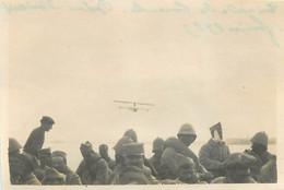 EN RADE DE TARENTE RETOUR  D'ORIENT 1917 ET AVION  FORMAT 8.50 X 6 CM - Oorlog, Militair