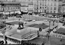 G0812 - MACON - D71 - La Place De La Barre - Macon