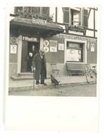 Photo Restaurant De L'Aigle D'Or / Bury ( Oderen, Haut-Rhin 68 ), Publicités Au Mur, Plaque Bière Sochaux, T.C.S. ... - Persone Anonimi