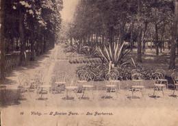 CPA - CARTE LETTRE VICHY -  N° 16 -  L'ANCIEN PARC - LES PARTERRES - FORMAT DOUBLE PANORAMIQUE REPLIABLE - 18X14 - - Vichy