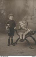 Carte-Photo : Portrait D''enfants Avec Ours En Peluche Et Lapin (jouet, Toy) (Ca 1920) (BP) - Ancianas (antes De 1900)