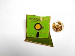 Superbe Pin's , Informatique , Disquette - Informatik
