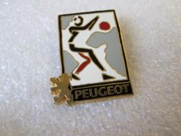 PIN'S   PEUGEOT  Zamak  VIP'ins - Peugeot