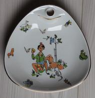 Belle Assiette Ancienne à Bouillie Pour Enfants En Porcelaine De Limoges Signée R. Leclair Années 50 Chien Enfant - Plates