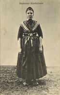 Nederland, STAPHORST, Vrouw In Staphorster Klederdracht (1910s) Ansichtkaart - Autres