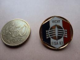 MOOIE BROCHE  VICHY  FISA 83  FRANCE - Roeisport