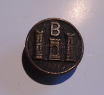 BOUTON EN CUIVRE 3 TOURS-B (à Identifier) - Botones