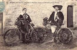 44 - BOURG-DE-BATZ - Paludier Et Paludière Venus à La Fête à Bicyclettes Fleuries - - Nantes