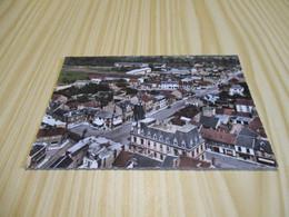 Fismes (51).Quartier Hôtel De Ville - Vue Aérienne. - Fismes