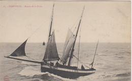 Granville  Cpa  50 Manche Bisquine   Voilier   En Mer   G 979  Devant Le Loup - Granville